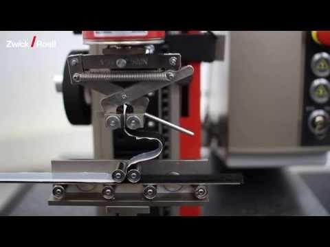 Tear growth/adhesion test on velcro tape - Weiterreiß-/Trennversuch an Klettband