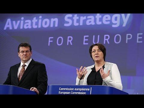 Κομισιόν: Χαλαρώνει τους όρους των ξένων επενδύσεων για αεροπορικές εταιρείες