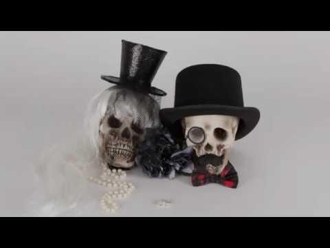 Halloween Deko-Idee : individuell gestaltete Deko-Schädel