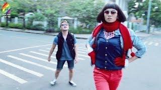 Chúc mọi người xem clip vui nhé ^^ FB BB&BG :https://www.facebook.com/nhombbbg Music by : Anh Không Đòi Quà - Karik...