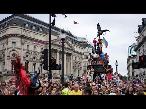 Gay Pride: «Πορείες παγκόσμιας υπερηφάνειας» σε πόλεις της Ευρώπης…