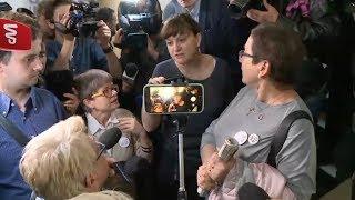 Przesłuchanie Donalda Tuska. Ostra wymiana zdań na sądowym korytarzu