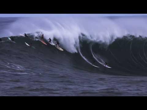 Waimea Bay Big Wave Surfing – Huge Swell, December 2009
