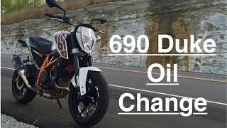 10. 2013 KTM 690 Duke Oil Change