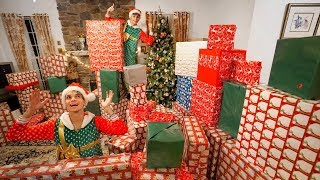 Video SURPRISING FAMILY WITH THE BEST CHRISTMAS PRESENTS EVER! MP3, 3GP, MP4, WEBM, AVI, FLV Juni 2019