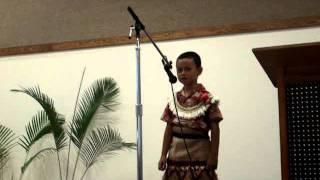 Ko e lea 'a Manu 'Olevao 'i he Kātoanga'i 'o e Uike Lea Faka-Tonga, Lā'ie, Hawai'i. 'Oku mahu'inga 'a e feinga 'a e longa'i fānau ke lea faka-Tonga.