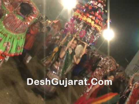 Video Original is in-trend on Garba grounds of Gujarat download in MP3, 3GP, MP4, WEBM, AVI, FLV January 2017