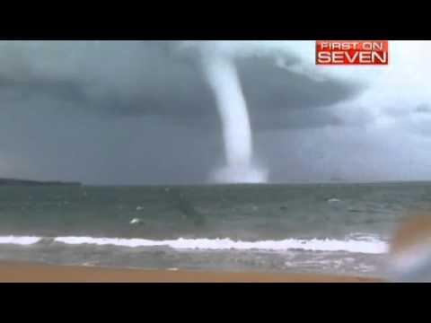 عمود ماء عملاق قبالة سواحل أستراليا