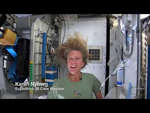 Jak si mýt vlasy ve vesmíru