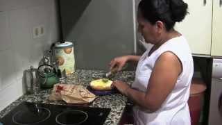 Carmen, teixint cultures