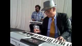 Video Diwana Hua Baadal : Kashmir Ki Kali (1964) : performed by COL CHAKRAVARTI - Keyboard Artiste download in MP3, 3GP, MP4, WEBM, AVI, FLV January 2017