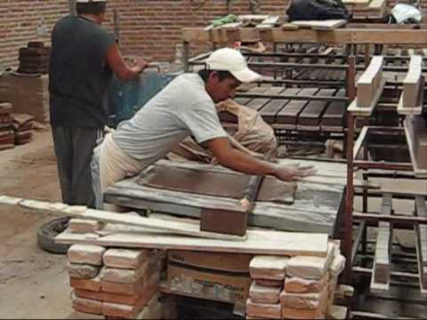 Vistiting the fabrica of Mexican Tiles