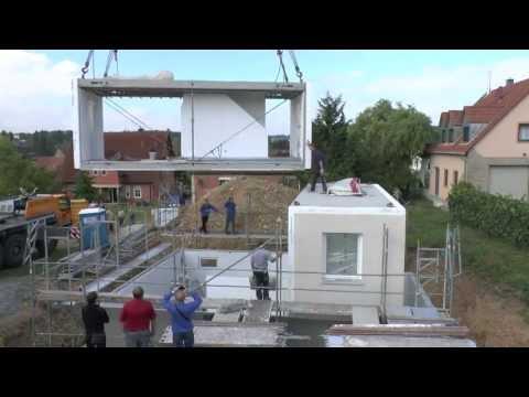 Монтажа капитального модульного дома ICON на подготовленном фундаменте