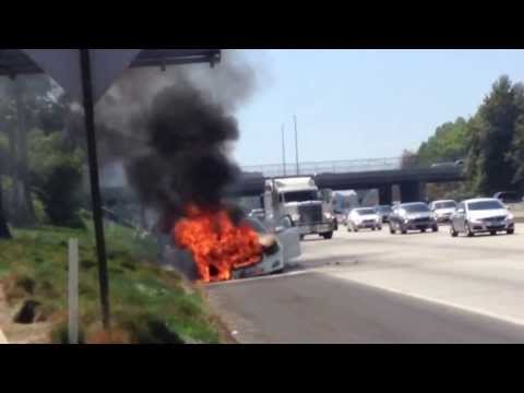 Dick Van Dyke survives vehicle fire