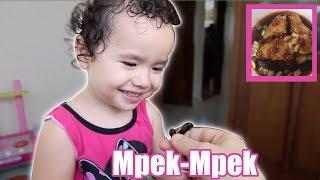 Video Zoila's Guide to Indonesian Food MP3, 3GP, MP4, WEBM, AVI, FLV Juli 2019