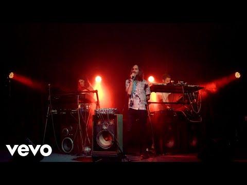 Tame Impala - Borderline (Live on The Tonight Show Starring Jimmy Fallon / 2020)