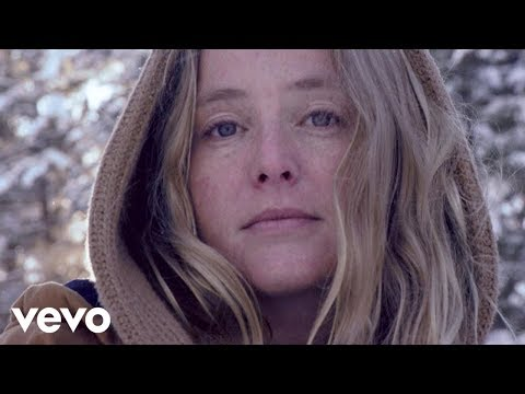 Lissie introduces new video for 'Don't You Give Up On Me'