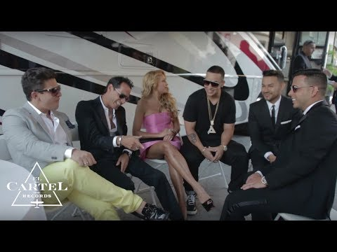 Daddy Yankee @ Premios Billboard (2013) (Backstage) -