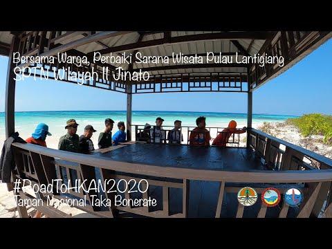 Bersama Warga Perbaiki Sarana Wisata di Pulau Lantigiang