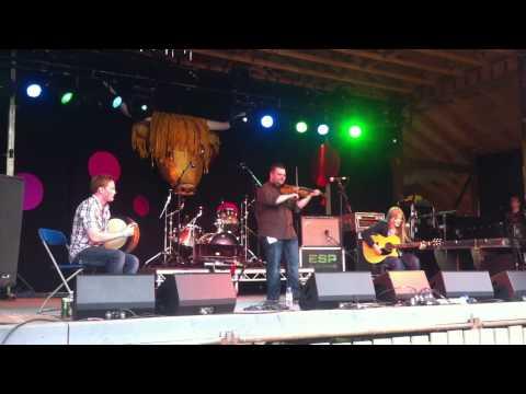Rua Macmillan & his band @ Knockengorroch Festival 2012