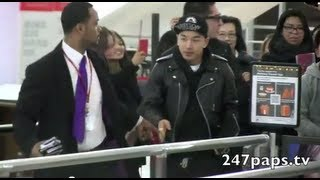 Video Big Bang Leaving New York through JFK Airport (120213) [MV] [M/V] MP3, 3GP, MP4, WEBM, AVI, FLV Juli 2018