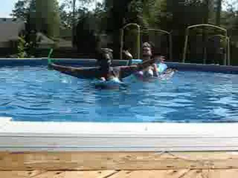 2 girls 1 pool