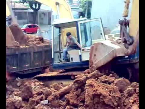 Acidente com Escavadeira Hidráulica