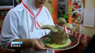 Garuda sebagai lambang negara dipilih menjadi desain bakso oleh Nasikin Yudha, pemilik warung bakso di Cirebon, Jawa Barat.Bentuk bakso yang unik ini diciptaikan untuk meramaikan hari ulang tahun kemerdekaan Republik Indonesia.Bakso ini berukuran jumbo lengkap dengan sayap yang membentang. Bakso ini dijamin bikin kenyang, karena berat per porsinya mencapai setengah kilogram.Telur puyuh, nugget, dan bihun gulung merupakan isian bakso garuda yang unik ini.