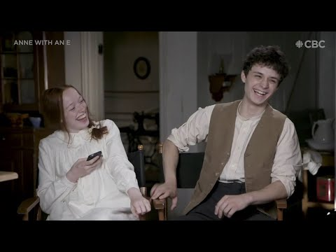 Amybeth McNulty Teaches Lucas Jade Zumann Irish Slang | Full interview ᴴᴰ