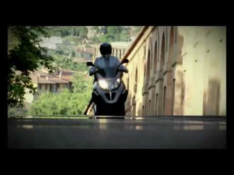 Piaggio MP3 RST 300 Official Video