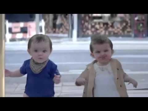 'danzando come un bambino', con lo spot evian si ritorna piccoli