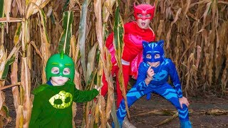 Video Corn Maze with Disney PJ Masks featuring the Assistant and Catboy, Owlette and Gekko MP3, 3GP, MP4, WEBM, AVI, FLV Oktober 2018