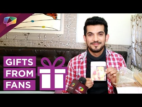 Arjun Bijlani receives gifts from his fans