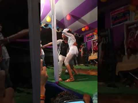 Video बदन पर कपड़ा नहीं एक बार डांस देख musical Arkestra soyam nanga dance Karti video download in MP3, 3GP, MP4, WEBM, AVI, FLV January 2017