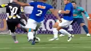 Seedorf marca dois e dá uma assistência conduzindo o Botafogo à vitória, de virada, conta  o Cruzeiro.
