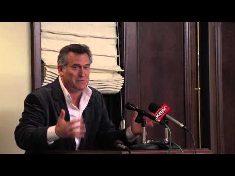 Hastings College hosts press conference for Bruce Campbell