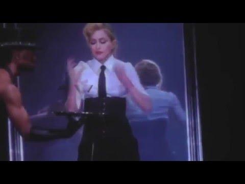 Madonna sahnede mastürbasyon yaptı