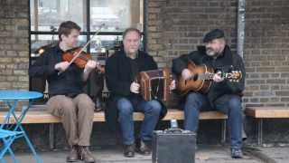 Lydom, Bugge & Høirup playing in the streets of Copenhagen!