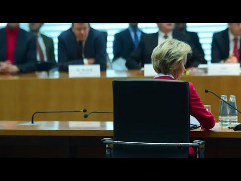 CDU: Berater-Affäre - von der Leyen gibt Fehler zu
