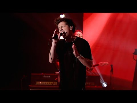 Video Charlie Puth Performs 'How Long' download in MP3, 3GP, MP4, WEBM, AVI, FLV January 2017