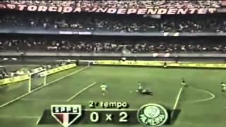 Golaço de César Sampaio que classificou o Palmeiras para a final do Campeonato Brasileiro de 1993, com vitória por 2 a 0...