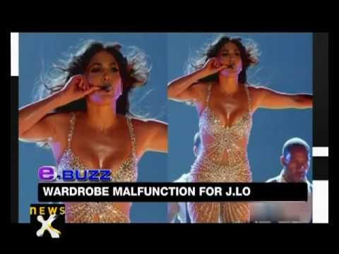 Jennifer Lopez suffers wardrobe malfunction on stage - NewsX