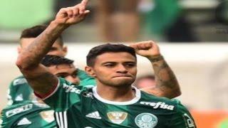 Curtam nossa página: http://www.facebook.com/LeandroSportsVideos Palmeiras vence o Vitória na arena e recupera a liderança do Brasileirão Com gols de Lucas B...