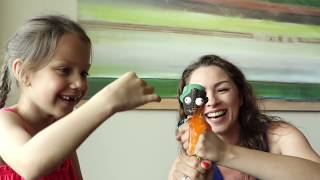 РЕЖЕМ ИГРУШКИ в Дубаи Новая серия Вики Шоу Мы купили и разрезали лизуны и антистрессы в самом большом магазине в мире Дубаи Молл. В этой серии мы с вами порежем игрушки и посмотрим что у них внутри.☀️ СМОТРИ ВСЕ СЕРИИ В ДУБАЯХ ТУТ - https://goo.gl/fyutdU✂️ СМОТРИ ВСЕ СЕРИИ РЕЖЕМ ИГРУШКИ ТУТ - https://goo.gl/BPf0VD👍  ЛУЧШИЕ ВИДЕО ВИКИ ШОУ - https://goo.gl/Yj0T7k🎥  НОВЫЕ СЕРИИ ВИКИ ШОУ - https://goo.gl/0st7PN👉 ПОДПИШИСЬ на мой канал: https://goo.gl/WURcYg😻 Вика ВКонтакте: https://vk.com/vikishow📷 Вика в Инстаграм: http://www.instagram.com/vikishow_official🌹📸 Роза в Инстаграм: http://www.instagram.com/rozaraa📲 Пиши мне в Telegram: https://telegram.me/VikiViki_bot#викишоу #vikishow #влог #дубаи #режемигрушки