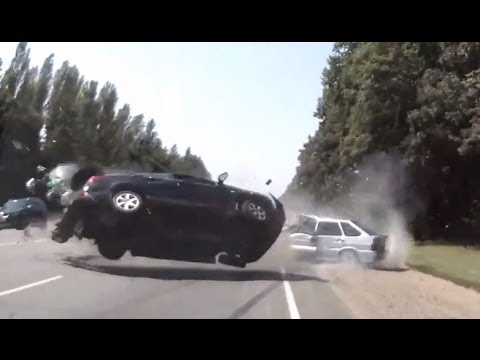 Crash - Like Us On Facebook http://www.facebook.com/CarCrashCompilationTV All crashes in this video are non-fatal.Take this video as a learning tool. This video is o...
