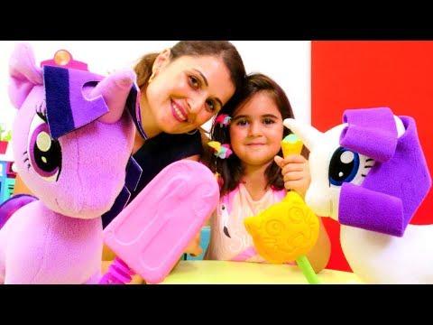 Play Doh dondurma. My Little pony Twilight Sparkle için soğuk tatlı yapıyoruz.