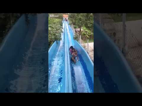 Video Very Scary Waterslide Accident !!! Amazing !!! download in MP3, 3GP, MP4, WEBM, AVI, FLV January 2017