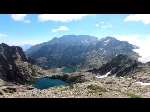 Jedes Jahr findet das Restonica Trail im Rahmen des Ultra Trail auf Korsika statt. In nur wenigen Stunden bewältigen die Teilnehmer 5000 Höhenmeter.