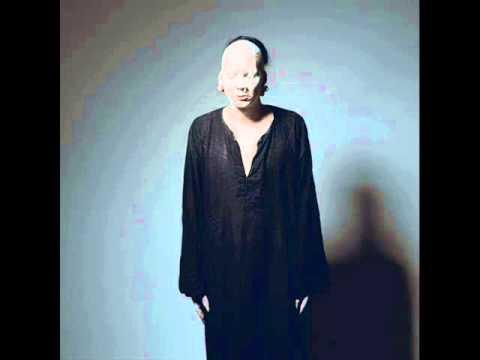Tekst piosenki Sopor Aeternus & The Ensemble of Shadows - Baptisma po polsku