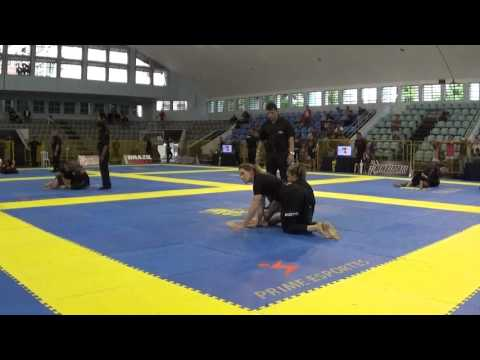Andresa Correa X Juliana  Simoes - Brasileiro de Jiu-Jitsu Sem Kimono 2015 - Final (видео)
